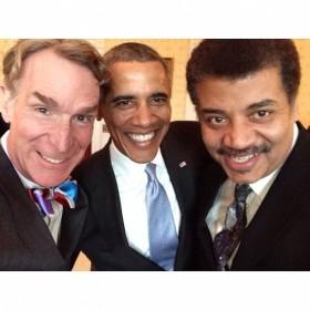 A destra, Neil deGrasse Tyson